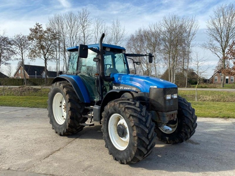 Traktor типа New Holland TM 135, Gebrauchtmaschine в Ruinerwold (Фотография 1)