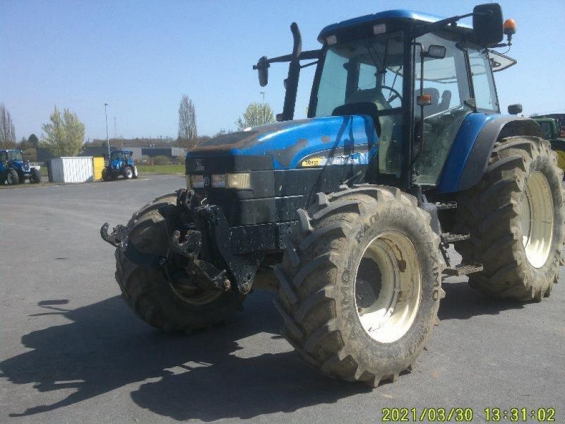 Traktor des Typs New Holland TM155, Gebrauchtmaschine in CHATEAUBRIANT CEDEX (Bild 1)