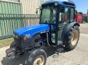 Traktor des Typs New Holland TN 80 F, Gebrauchtmaschine in ARLES
