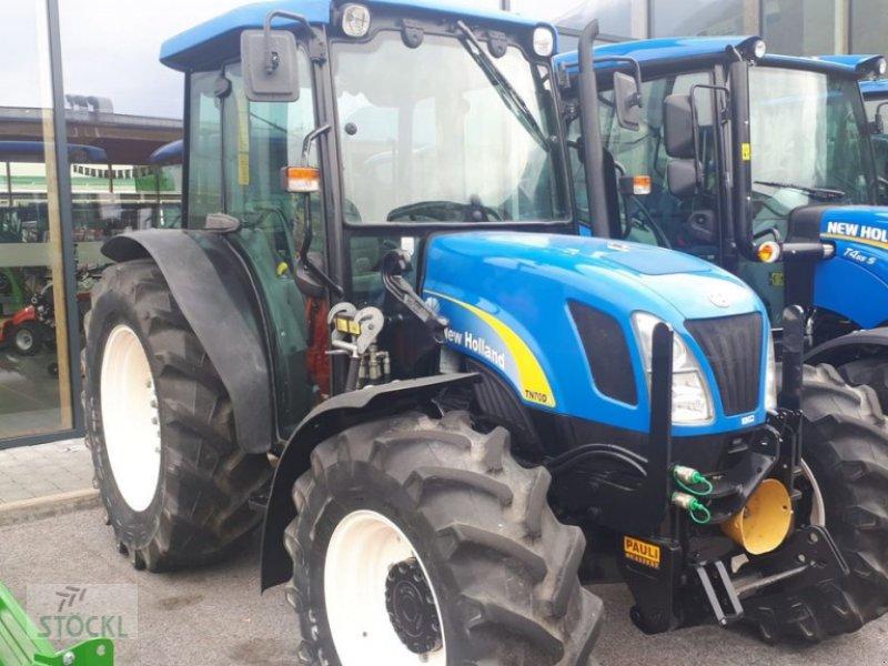 Traktor des Typs New Holland TN-D 70 A DeLuxe, Gebrauchtmaschine in Pfaffenhofen/Telfs (Bild 1)