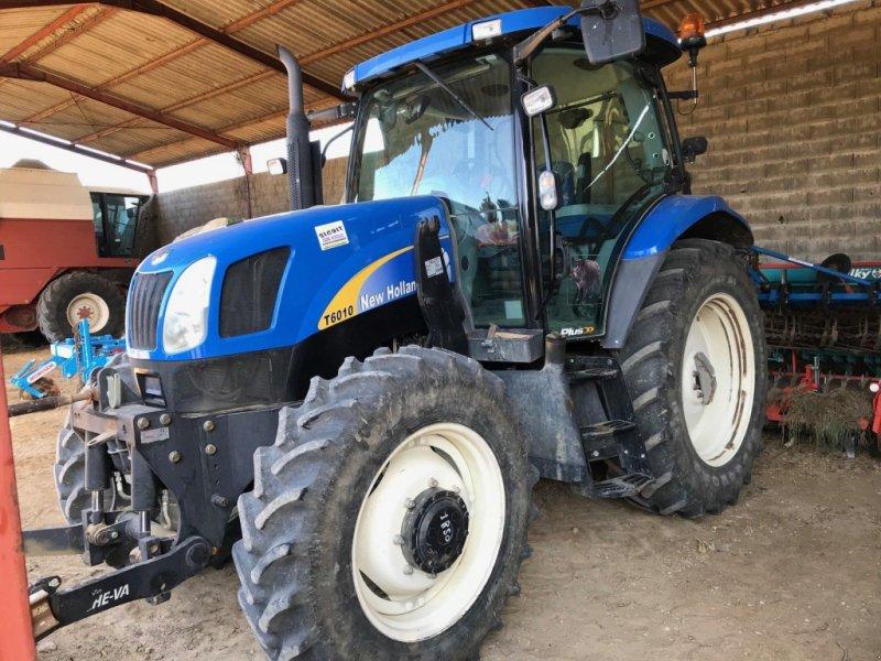 Traktor типа New Holland Tracteur agricole T6010 PLUS New Holland, Gebrauchtmaschine в roynac (Фотография 1)