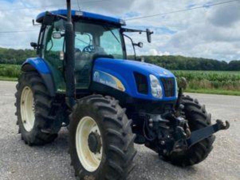 Traktor des Typs New Holland TS 125, Gebrauchtmaschine in Sainte-Croix-en-Plaine (Bild 1)
