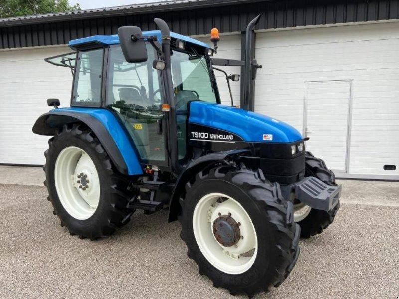 Traktor типа New Holland TS100, Gebrauchtmaschine в Linde (dr) (Фотография 1)