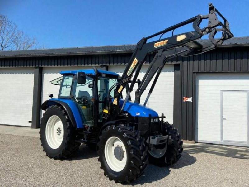 Traktor типа New Holland TS115, Gebrauchtmaschine в Linde (dr) (Фотография 1)
