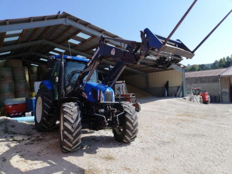 Traktor типа New Holland TS125A, Gebrauchtmaschine в CHAUMONT (Фотография 1)