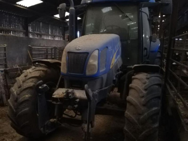 Traktor типа New Holland TS135A, Gebrauchtmaschine в CHAUMONT (Фотография 1)