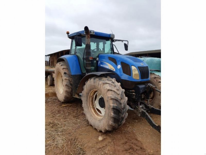 Traktor tipa New Holland TVT145, Gebrauchtmaschine u ANTIGNY (Slika 1)