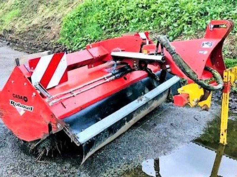 Traktor des Typs Rabaud SUPCHAM2100A, Gebrauchtmaschine in HOUPLINES (Bild 1)