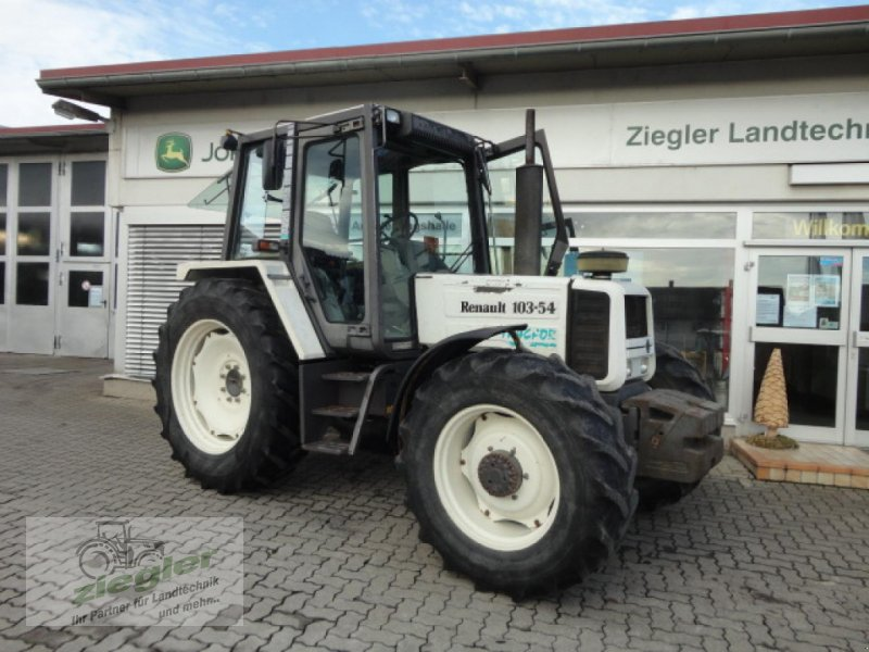 Traktor типа Renault 103-54, Gebrauchtmaschine в Kandern-Tannenkirch (Фотография 1)