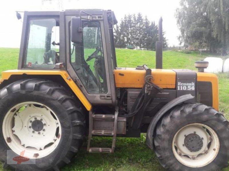 Traktor des Typs Renault 110-54, Gebrauchtmaschine in Oederan (Bild 1)