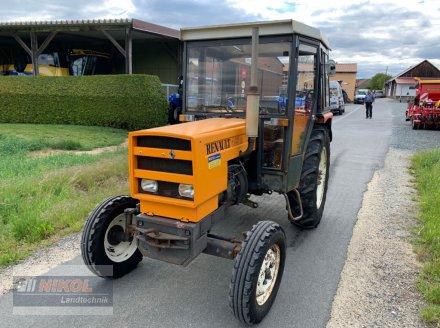 Traktor des Typs Renault 421 M, Gebrauchtmaschine in Lichtenfels (Bild 1)