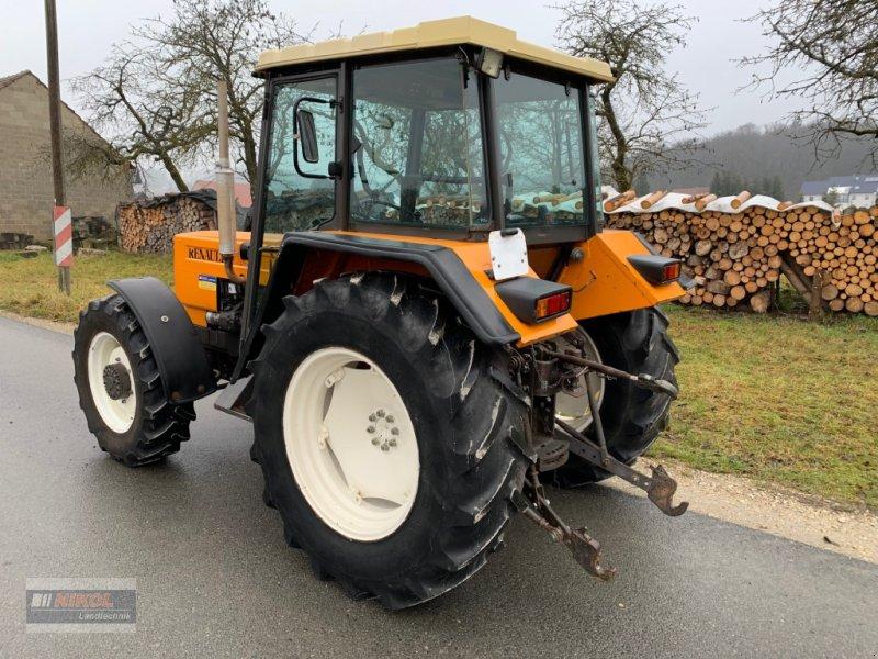 Traktor des Typs Renault 651.4 S, Gebrauchtmaschine in Lichtenfels (Bild 3)