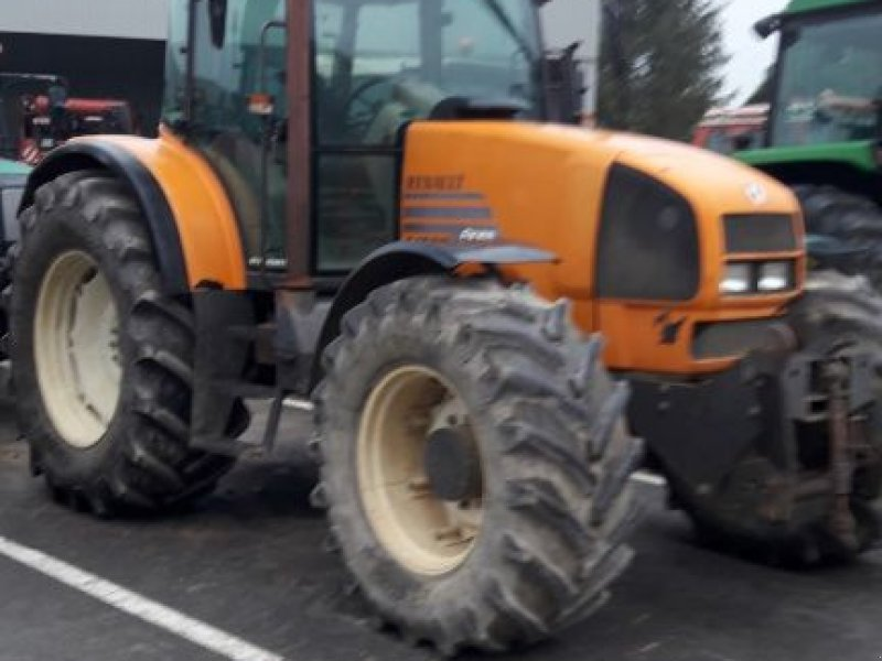 Traktor типа Renault ARES 640 RZ, Gebrauchtmaschine в SAINT LOUP (Фотография 1)