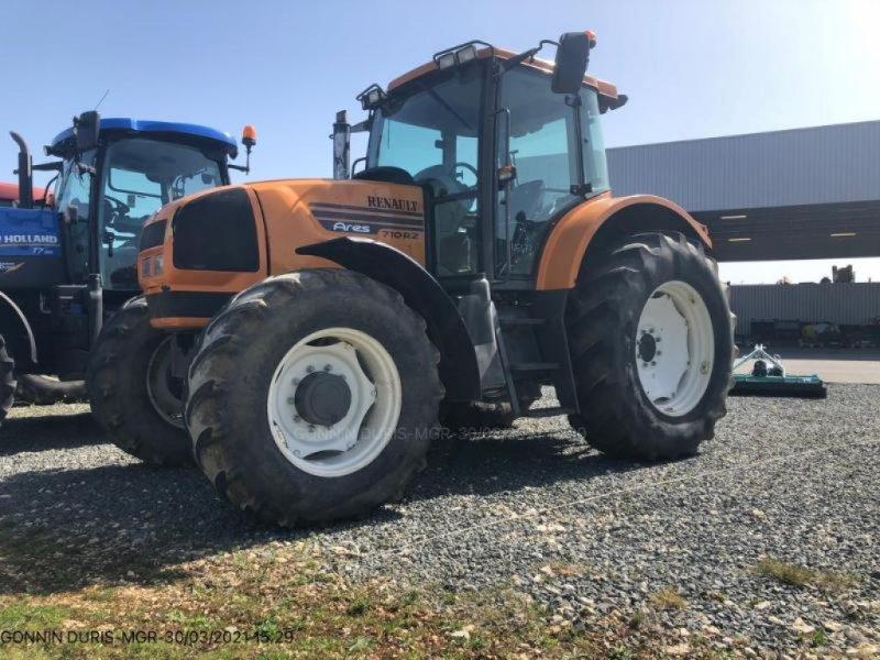 Traktor des Typs Renault ARES 710, Gebrauchtmaschine in SAUZE VAUSSAIS (Bild 1)