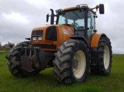 Traktor типа Renault AREZ 725 RZ, Gebrauchtmaschine в MONFERRAN