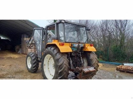 Traktor a típus Renault CERES 85 X, Gebrauchtmaschine ekkor: RIVARENNES (Kép 4)
