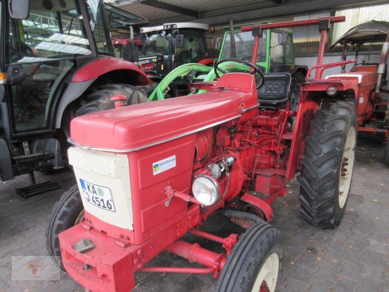 Traktor типа Renault Super 4D, Gebrauchtmaschine в Remchingen (Фотография 1)