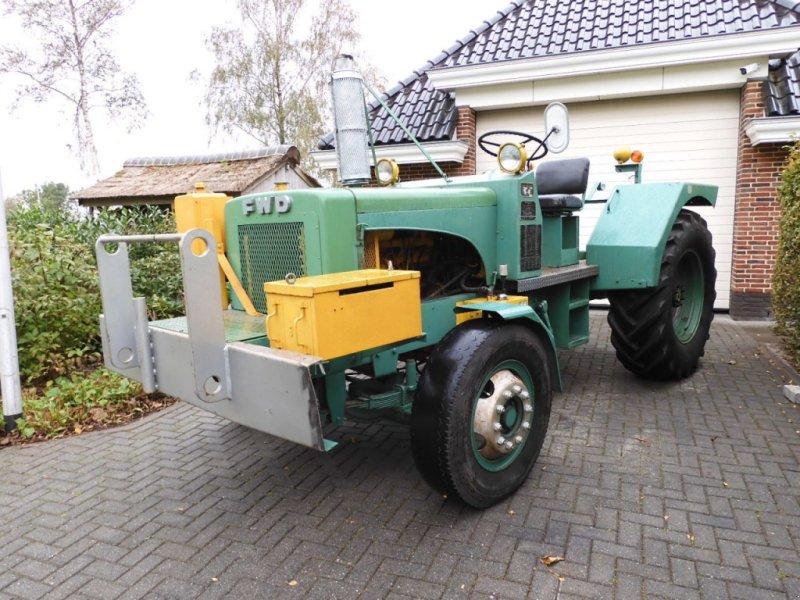 Traktor типа Sonstige FWD B2  Amerikaanse tractor, Gebrauchtmaschine в IJsselmuiden (Фотография 1)