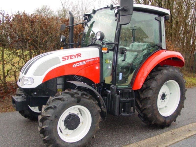 Traktor des Typs Steyr 4055 S Kompakt, Neumaschine in Viechtach (Bild 1)