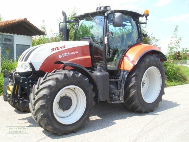 Traktor des Typs Steyr 6135 Profi, Gebrauchtmaschine in Unterneukirchen (Bild 2)