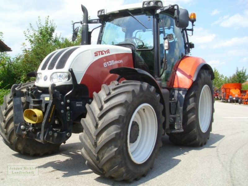 Traktor des Typs Steyr 6135 Profi, Gebrauchtmaschine in Unterneukirchen (Bild 3)
