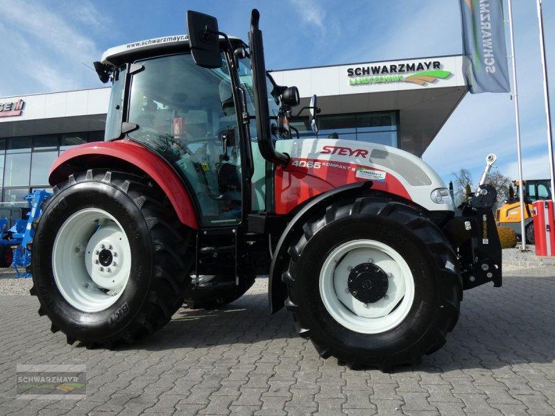 Traktor des Typs Steyr Kompakt 4065 S Basis, Neumaschine in Aurolzmünster (Bild 1)