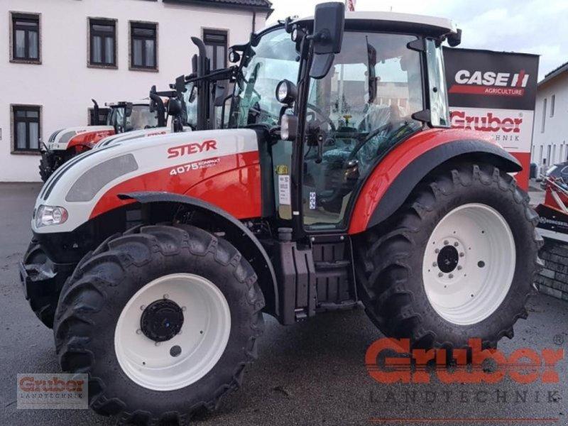 Traktor des Typs Steyr Kompakt 4075 HiLo, Neumaschine in Ampfing (Bild 1)