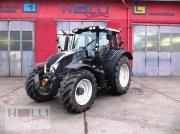 Valtra 143 H3 Traktor