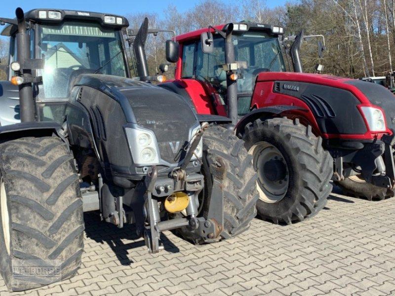 Traktor des Typs Valtra 2 x T 213 VERSU Allrad Traktoren im Paket, Gebrauchtmaschine in Bramsche (Bild 1)