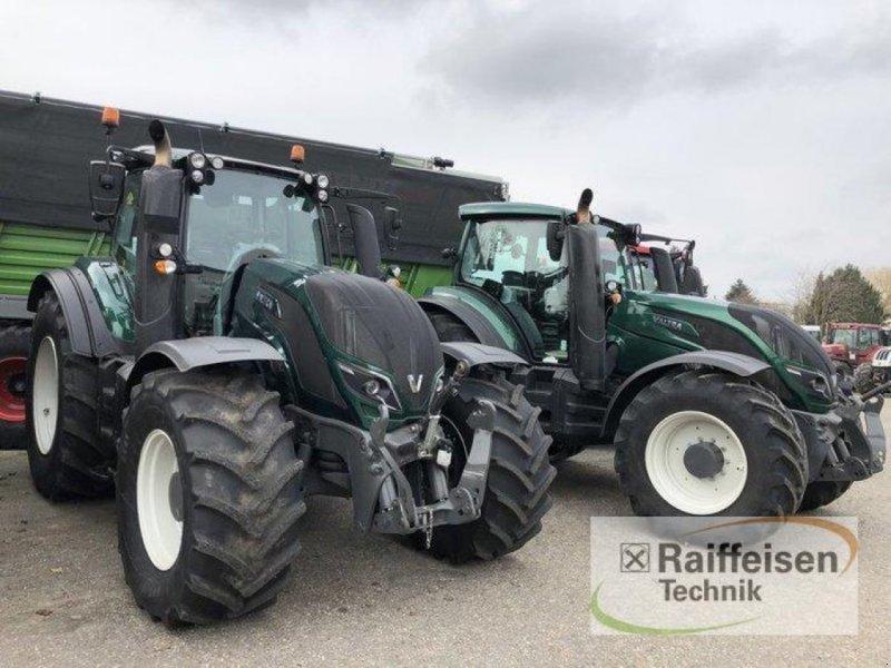 Traktor des Typs Valtra 2x T 254 Versu SmartTouch, Gebrauchtmaschine in Bad Oldesloe (Bild 1)