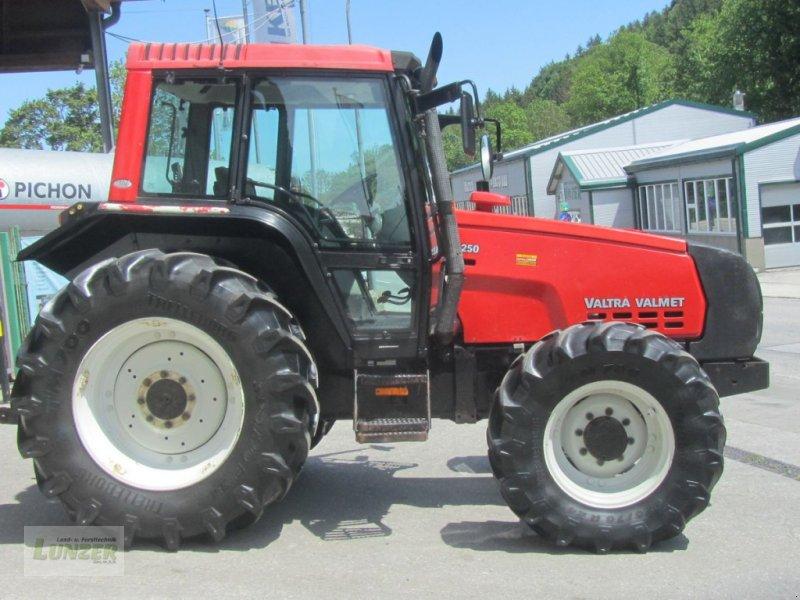 Traktor des Typs Valtra 6250-4, Gebrauchtmaschine in Kaumberg (Bild 1)