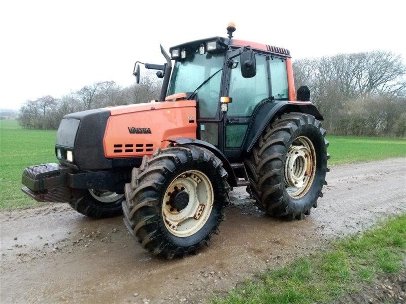 Traktor типа Valtra 6550 HI - TECH evt. med Trima  1810 frontlæsser, Gebrauchtmaschine в Skive (Фотография 1)