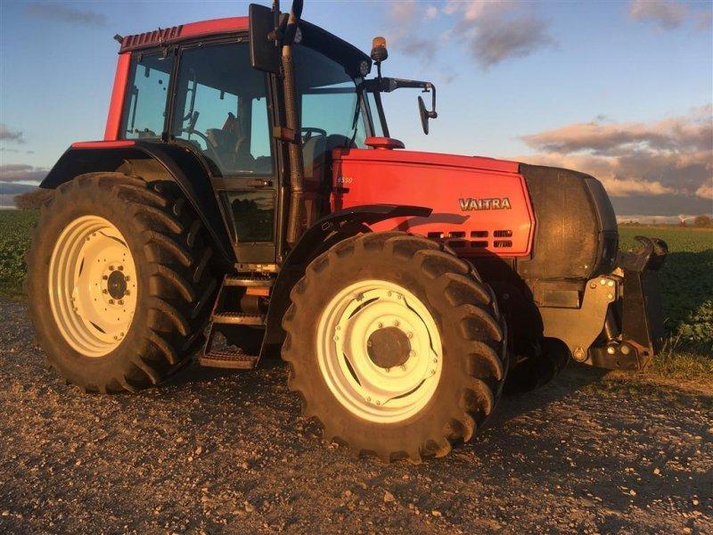 Traktor типа Valtra 6550 HI - TECH m/ affjedret foraksel, Gebrauchtmaschine в Bjerringbro (Фотография 1)