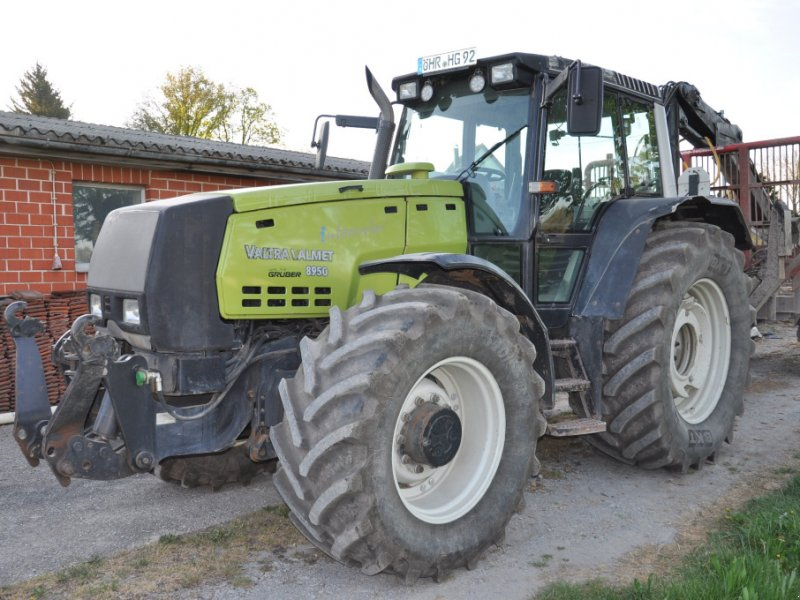 Traktor des Typs Valtra 8950 intercooler, Gebrauchtmaschine in Öhringen (Bild 1)