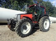 Valtra 900 KUN 3680 timer Traktor
