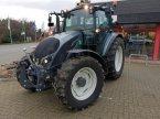Traktor des Typs Valtra A 114 HITECH in Schladen