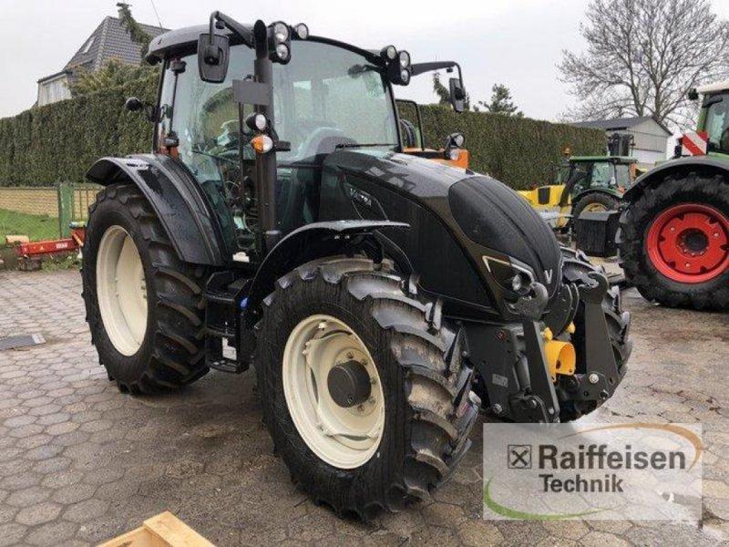 Traktor des Typs Valtra A 114 MH4, Neumaschine in Bad Oldesloe (Bild 1)