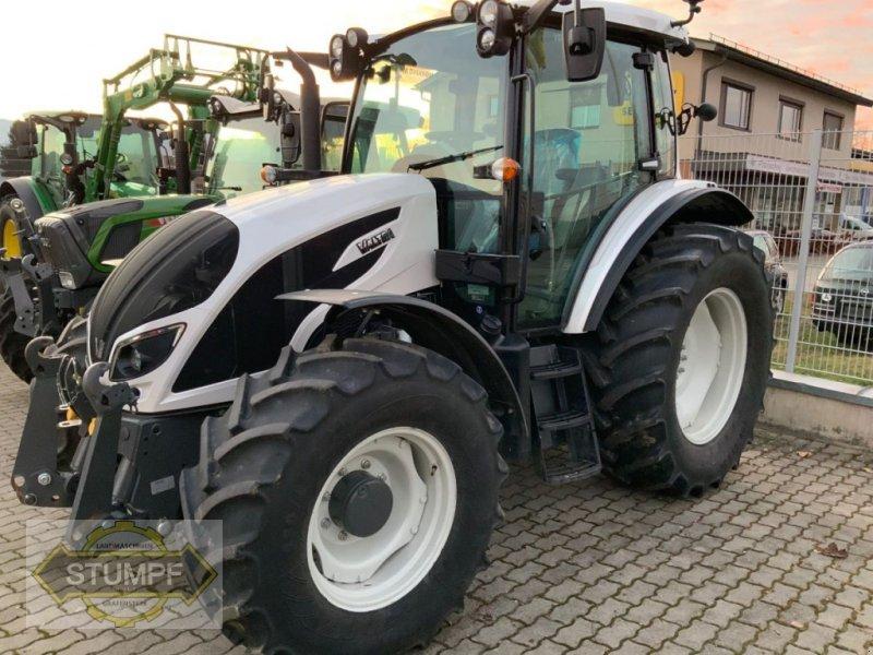 Traktor des Typs Valtra A 114, Vorführmaschine in Grafenstein (Bild 1)