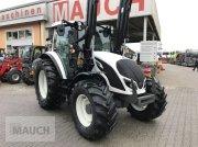 Traktor des Typs Valtra A 114, Neumaschine in Burgkirchen