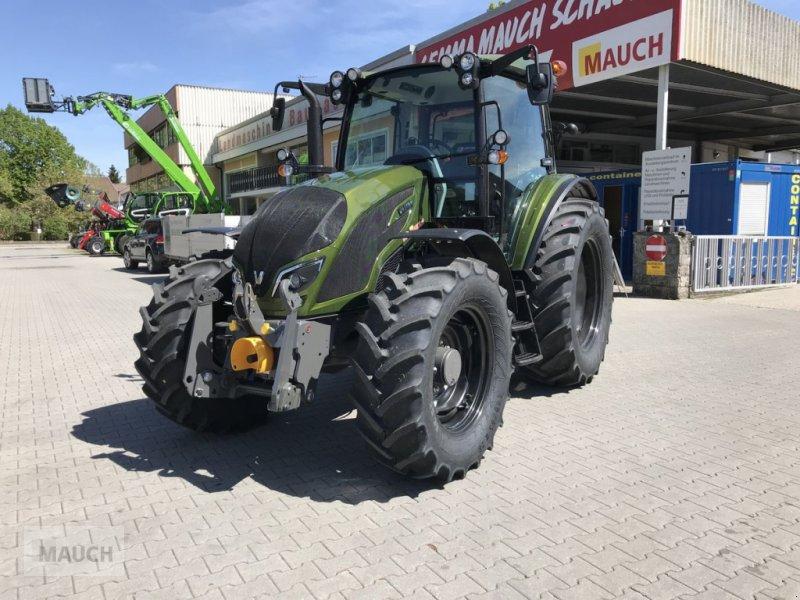 Traktor типа Valtra A 114, Neumaschine в Burgkirchen (Фотография 1)