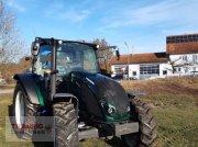 Valtra A 124 Vorführmaschine Traktor