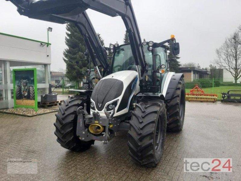 Traktor a típus Valtra A 134 H, Vorführmaschine ekkor: Rees (Kép 1)