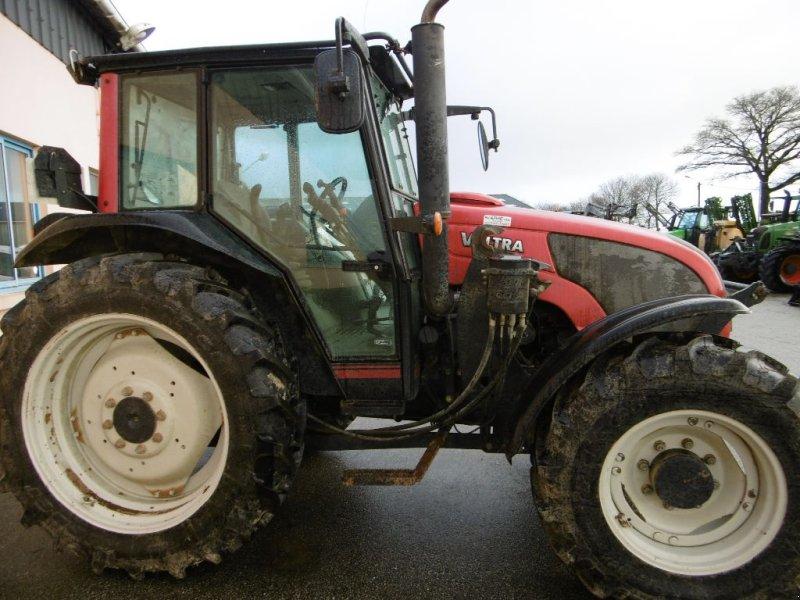 Traktor des Typs Valtra A 72, Gebrauchtmaschine in Chateauneuf du faou (Bild 2)