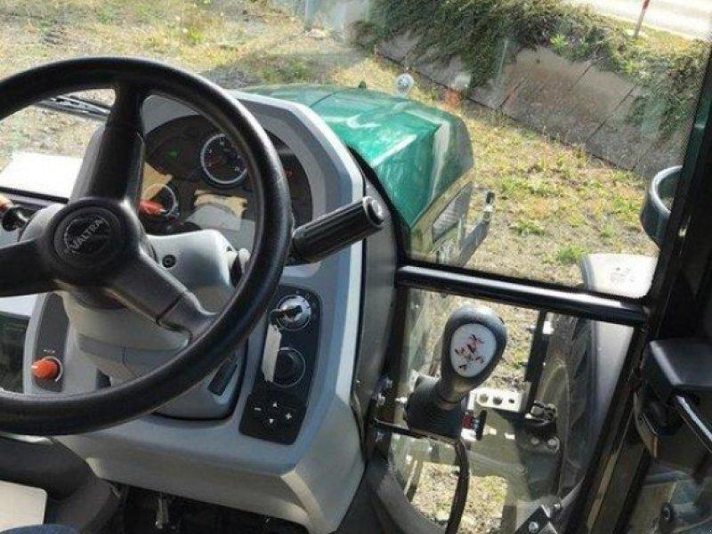 Traktor des Typs Valtra A 74, Gebrauchtmaschine in Elmenhorst-Lanken (Bild 2)