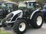 Traktor des Typs Valtra A 74, Neumaschine in Eben