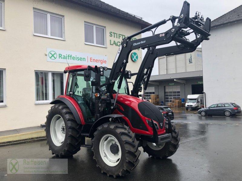 Traktor des Typs Valtra A 74, Gebrauchtmaschine in Tirschenreuth (Bild 1)