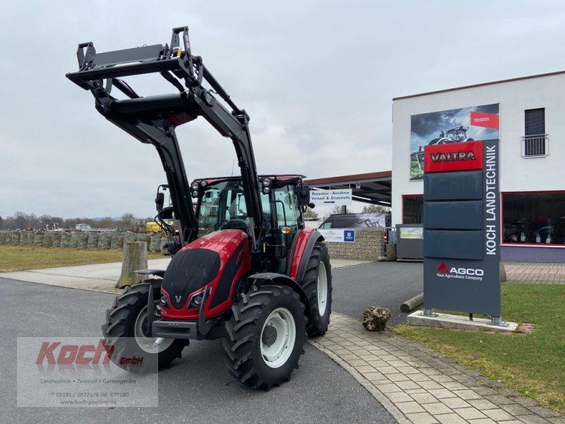 Traktor des Typs Valtra A 84, Neumaschine in Neumarkt / Pölling (Bild 1)
