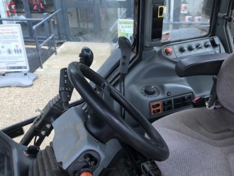 Traktor of the type Valtra A 93 H, Gebrauchtmaschine in Grantham (Picture 12)
