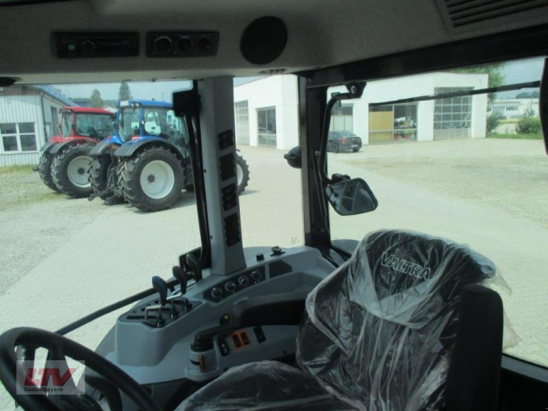 Traktor des Typs Valtra A 94 1C7, Neumaschine in Eggenfelden (Bild 3)