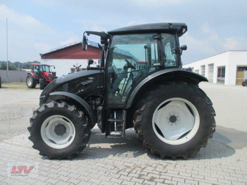 Traktor des Typs Valtra A 94 1C7, Neumaschine in Eggenfelden (Bild 4)